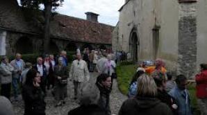 Interdicţie la vânzarea vinului în biserici