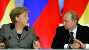 Angela Merkel şi Vladimir Putin au vorbit la telefon despre situaţia din Ucraina