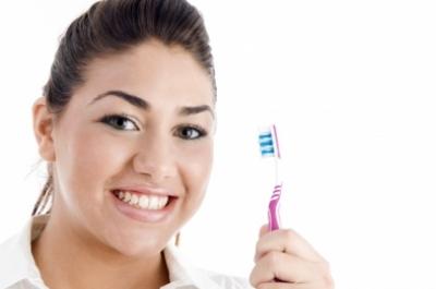Greşeala uriaşă pe care o faci când te speli pe dinţi