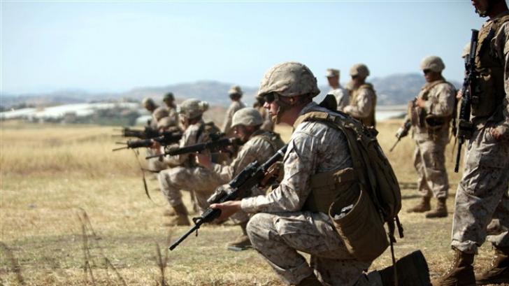 Militari din cadrul unităţiiSpecial Purpose Marine Air-Ground Task Force-Crisis Response, în timpul unui exerciţiu în Sicilia