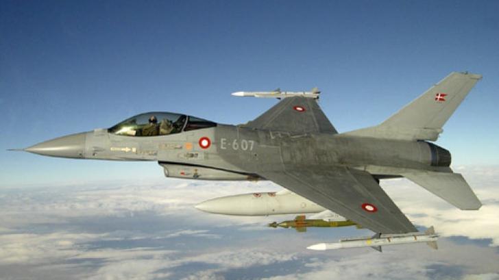 Patru avioane daneze de tip F-16 au sosit în Estonia, în contextul crizei ucrainene
