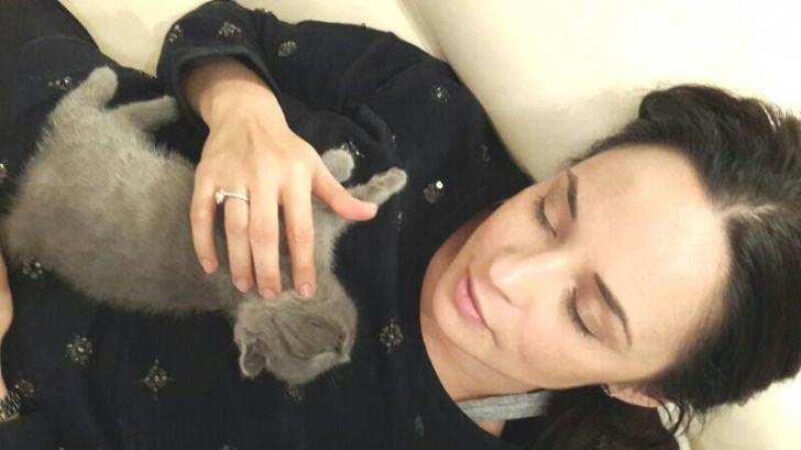 Andreea Marin, în pijamale și nemachiată