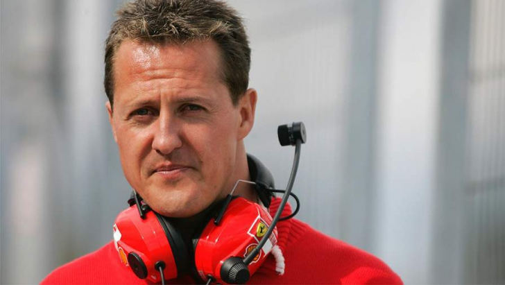 <p><em><strong>MICHAEL SCHUMACHER</strong></em></p>