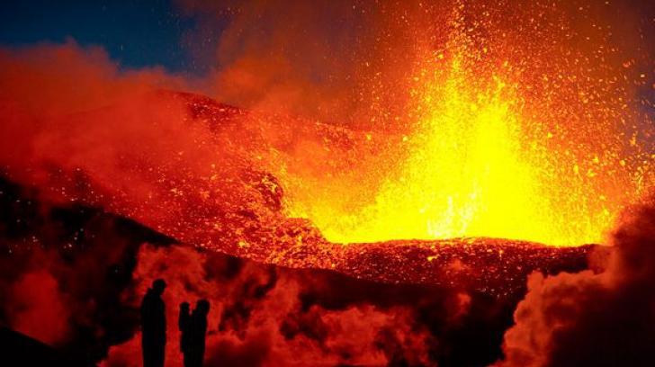 """Experţii din Marea Britanie sunt în """"alertă roșie"""", în perspectiva unei erupţii vulcanice în Islanda"""
