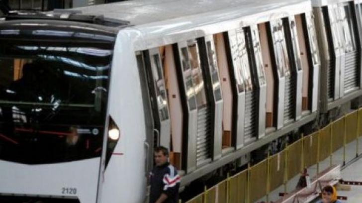 """Noile trenuri le dau bătăi de cap: """"Toate stațiile de pe Magistrala II de metrou trebuie modificate"""""""