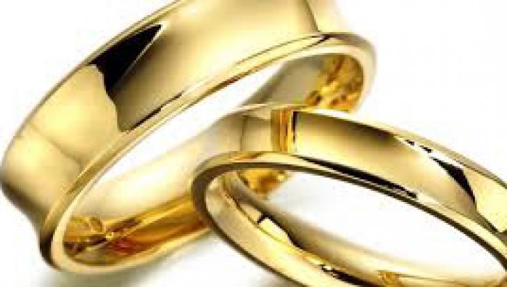 Guvernul avizează nefavorabil proiectul tichetului cultural acordat la 25-50 ani de căsătorie