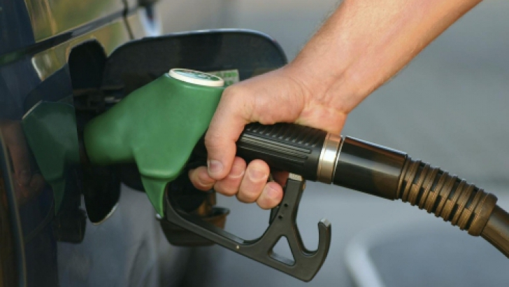 În Luxemburg, unde benzina e mai ieftina (1,3 euro), salariile sunt de aproape 10 ori mai mari.