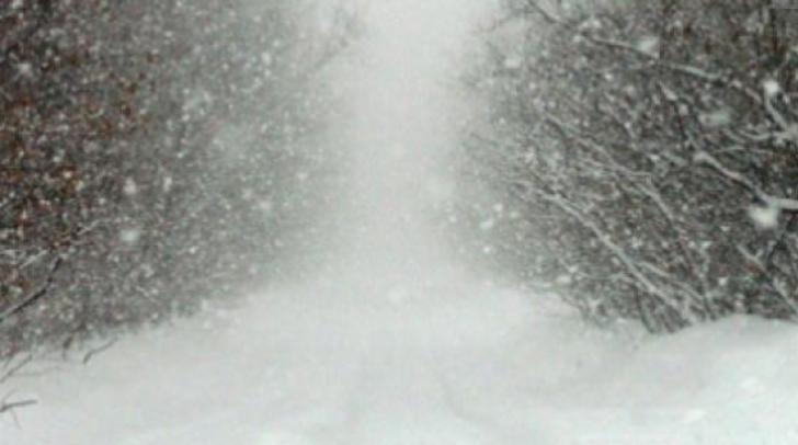 Viscol și zăpadă în Masivul Bucegi, traseele montane au fost ÎNCHISE