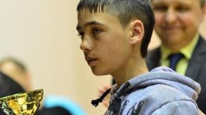 Un băiat de 11 ani care a salvat un copil căzut într-o fântână, premiat de Guvern cu 10.000 de lei