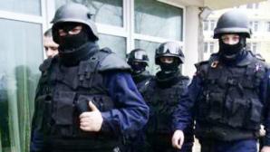 Percheziţii la traficanţii de droguri din Sibiu şi Bucureşti
