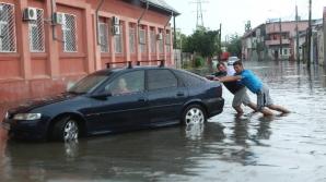 Cod galben de inundaţii, până la noapte