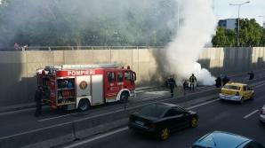 MARTOR OCULAR. Maşină în flăcări în Pasajul Băneasa