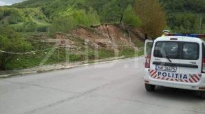 DN7A blocat de o alunecare de teren.