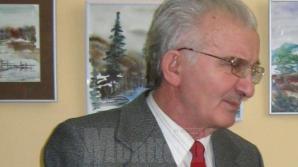 Profesorul, publicistul şi prozatorul Vichentie Nicolaiciuc, reprezentant al minorităţii ucrainene în Parlamentul României în legislatura 1996-2000, a decedat luni.