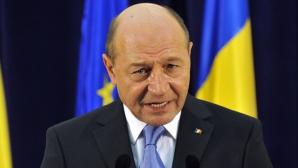 Băsescu: Nu am încălcat Constituţia; avizul CC din 2007 spune că preşedintele nu vine din nori