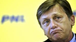 Constantin: Nu mai există dubiu, Antonescu a bătut palma cu Băsescu şi a preluat rolul lui Boc! / Foto: MEDIAFAX