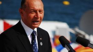 Bărbatul care l-a scuipat pe Băsescu, DUS LA PSIHIATRIE pentru evaluare