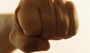 Antrenor de lupte din Vaslui, reclamat la Poliţie că a bătut un elev, sancţionat cu 10% din salariu