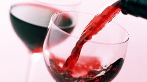 Consumul de VIN ROŞU poate preveni CARIILE