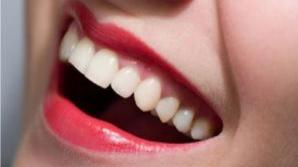Metoda ayurvedică pentru albirea dinţilor şi eliminarea durerilor de cap