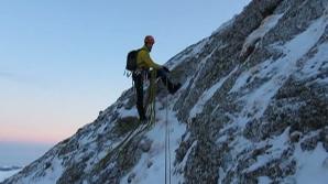 Patru români, porniţi să urce pe Vârful Annapurna, au abandonat ascensiunea