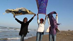Mii de femei iraniene au postat pe Facebook poze în care nu purtau hijab