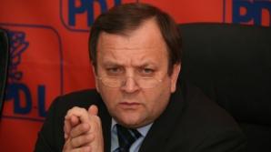 Flutur, către filialele PDL: Să nu puneţi în secţii oameni care ar putea vinde partidul!