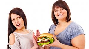 SĂNĂTATE. 6 obiceiuri bizare care ajută la slăbit