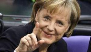 Merkel arunca in aer cursa pentru presedintia CE