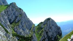 Braşov: Şase turişti americani, salvaţi de jandarmi după ce s-au rătăcit pe munte