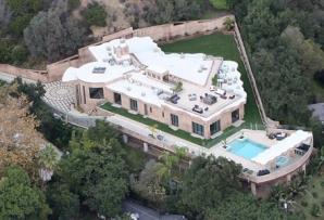 Casa cântăreței Rihanna, un adevărat tărâm de poveste