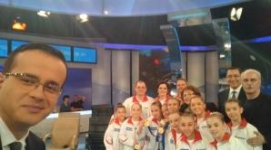 Victor Ponta, selfie ELECTORAL cu gimnastele României