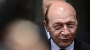 Băsescu, la Alba Iulia: Soluția pentru depolitizarea instituțiilor este un partid nou. Votați PMP!