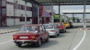 150 de maşini merg bară la bară spre Bulgaria.