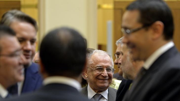 Cozmin Guşă: Norocul lui Ponta astăzi este GEORGE MAIOR / Foto: MEDIAFAX