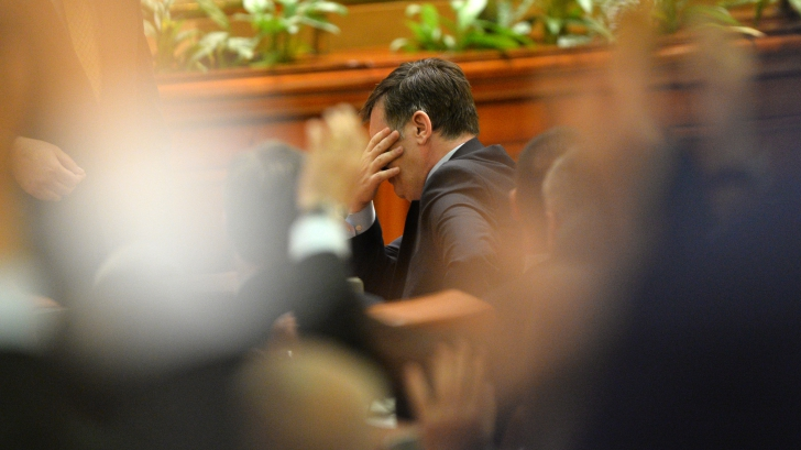 CTP, avertisment CUMPLIT: Dacă opoziţia nu-şi conturează o strategie comună, Ponta e preşedinte deja / Foto: MEDIAFAX