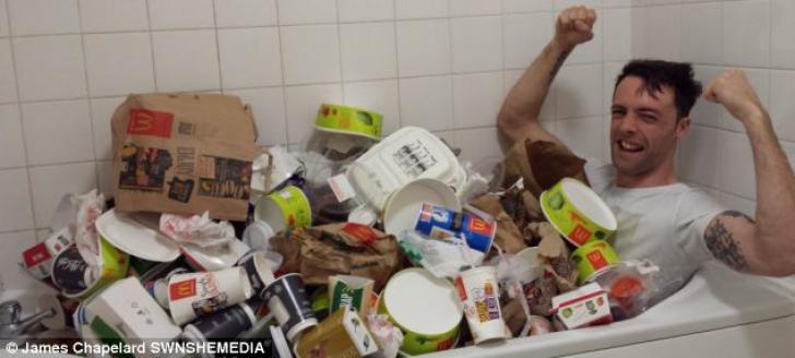 A mâncat de trei ori pe zi de la McDonald's şi a făcut mult sport: rezultatul e incredibil!