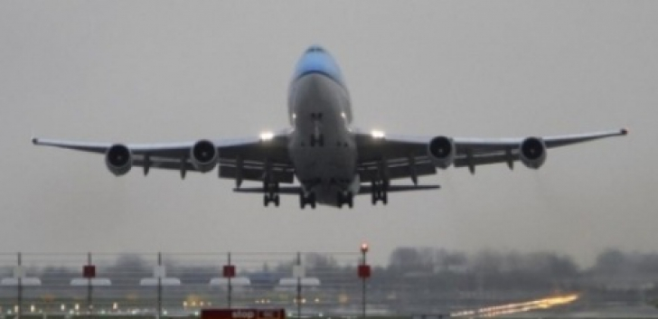 Aeronavă de pasageri, la un pas de coliziune cu un avion militar rus
