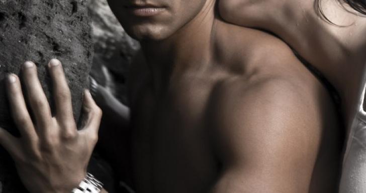 5 puncte sensibile ale barbatului si cum sa le atingi