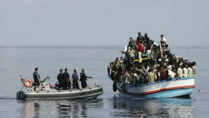 Metoda teribilă folosită de traficanţi pentru a atrage imigranţi: îşi fac reclamă pe Facebook