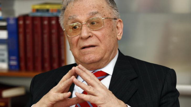 Antonescu: Iliescu a fost 'stricat la bătrâneţe de anturajul' cu Dragnea, cum m-a afectat şi pe mine