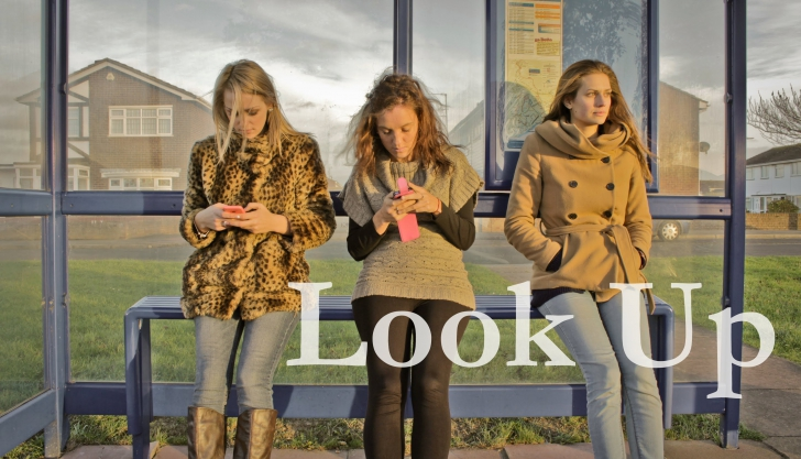 Look Up, un clip video viral pe Youtube