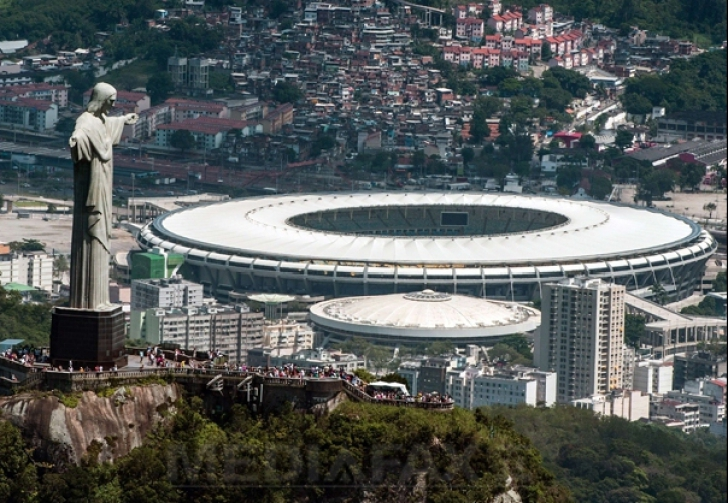 ULUITOR:  Cum îşi vând marfa traficanţii de droguri în cartierele din Rio de Janeiro