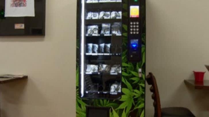 În Canada a fost pus în funcţiune primul automat de marijuana din lume
