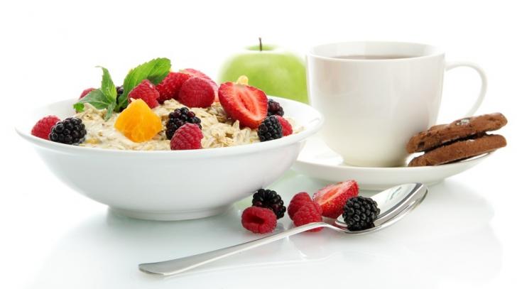 FRESH-REFRESH. Micul dejun, cea mai importantă masă a zilei