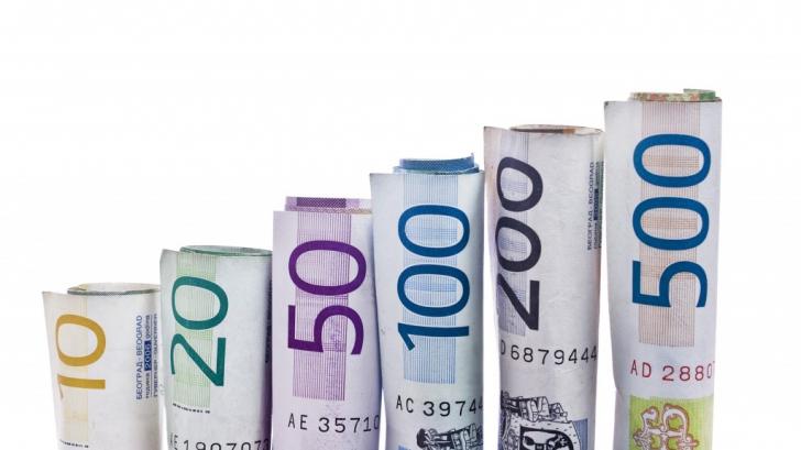Până să treacă România la euro, moneda europeană are şanse să devină istorie