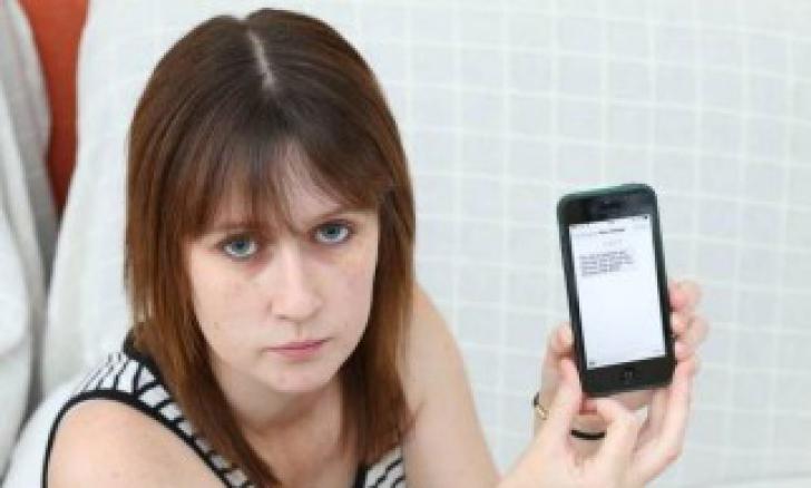 Pentru că nu şi-a achitat factura, o femeie a primit din partea Orange un mesaj incredibil
