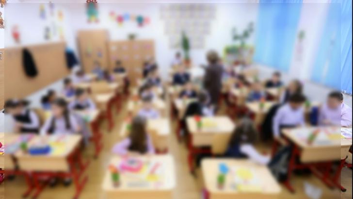 Chiloții la control. Decizie ORIBILĂ a unei directoare de școală din Satu Mare