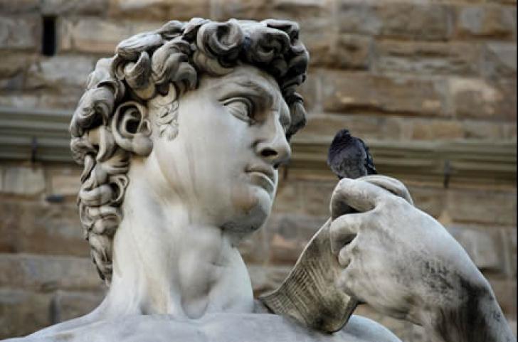 """Satuia lui David, de Michelangelo, în pericol să se prăbuşească din cauza """"gleznelor sale fragile"""""""