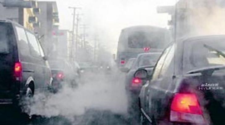 Aproximativ 400 de persoane au fost spitalizate la Teheran din cauza poluării